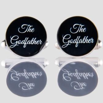 Butoni personalizati mire pentru o nunta cu stil