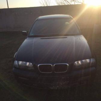 Dezmembrez BMW 318i