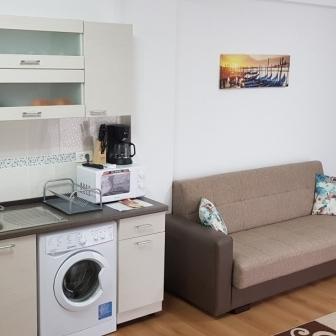 Inchiriez in regim hotelier apartament in Mamaia Nord
