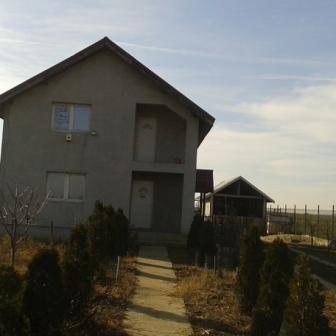 Vand vila casa vacanta +teren intravilan 3300m2