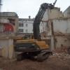 Executam demolari  si sapaturi- excavatii