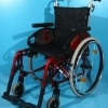 Scaun handicap dotat cu frane pentru pacient din aluminiu