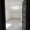 Vand apartament la mansarda