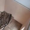 Vând clădire de birouri cu locuință de servici la etaj