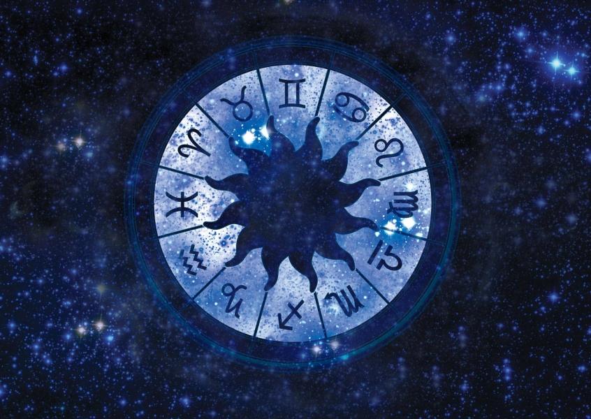Horoscopul – o mare sansa de a vedea ce va mai spun astrele