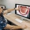 Implantul dentar: cum are loc procedura de implantare? Ce trebuie să nu faci dup